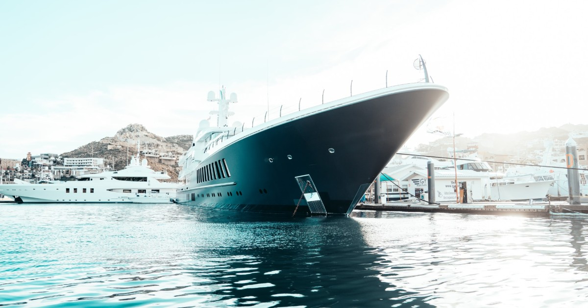 types of yacht brokers